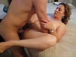 massage intimate oil