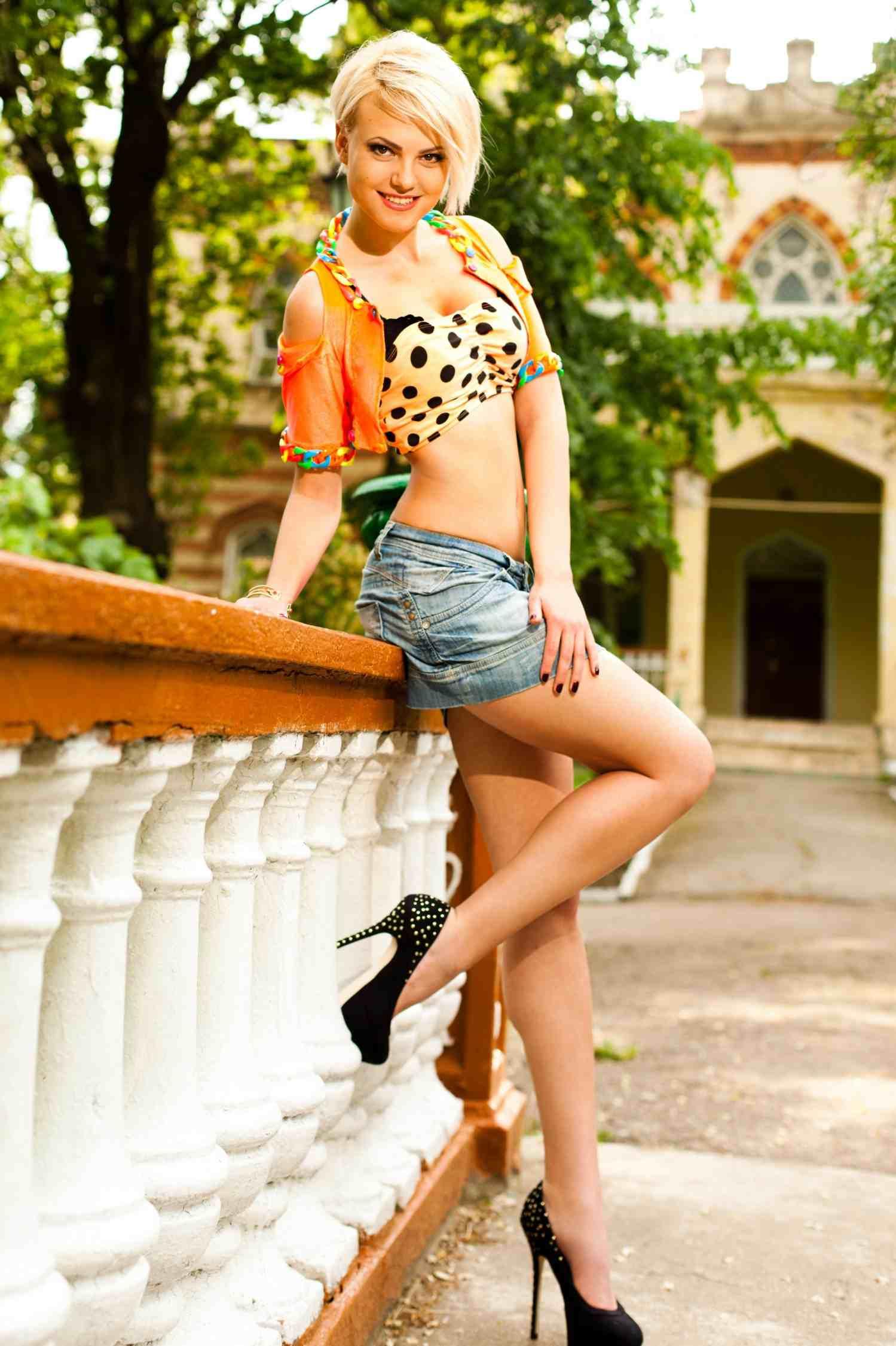 Lina hot