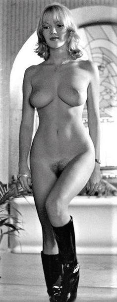 yvette nipar naked